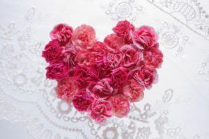 恋愛=本物の愛ではない 結婚=愛がないと続かない